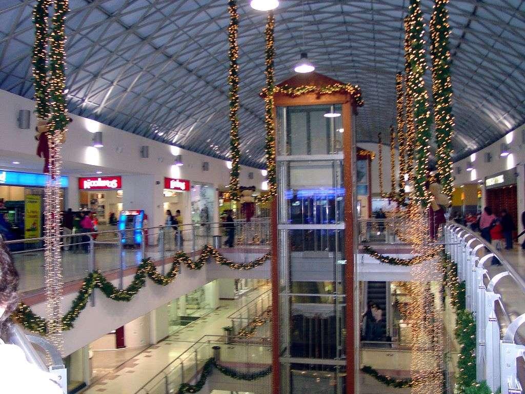 Algunos centros comerciales en bogot - Decoracion navidena para comercios ...